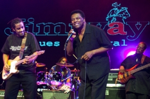 Kenny Neal i Terry Evans w finale Jimiway Blues Festival 2011
